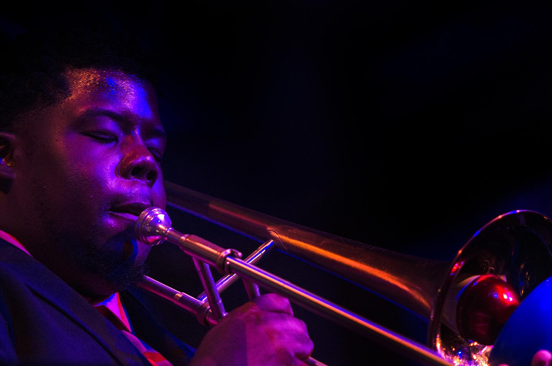 Jeffery Miller plays at Snug Harbor on August 11, 2015. (Photo by Katie Sikora)