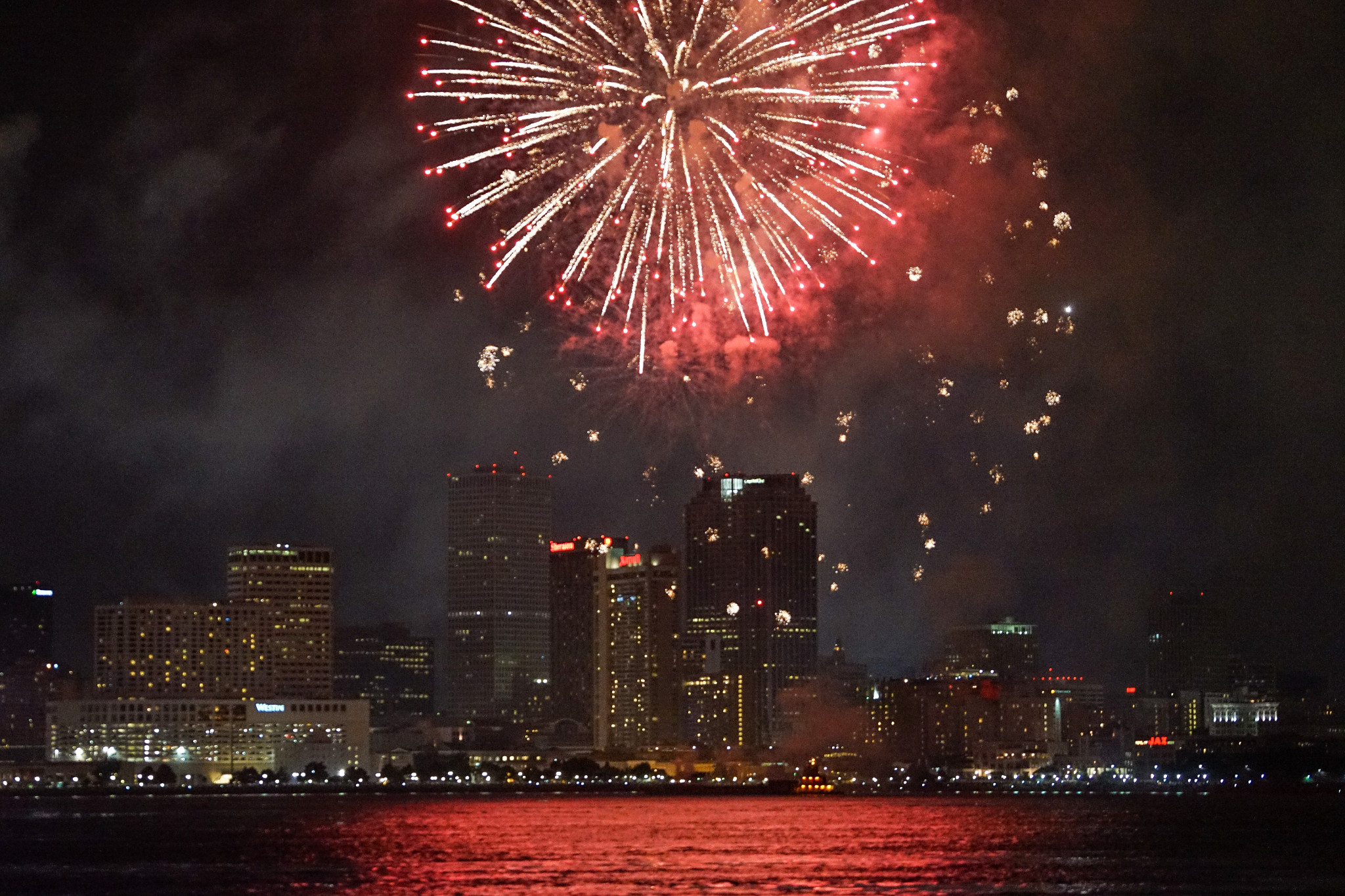 A spectacular 4th of July show on the Mighty Mississippi. (Photo: Paul Broussard)