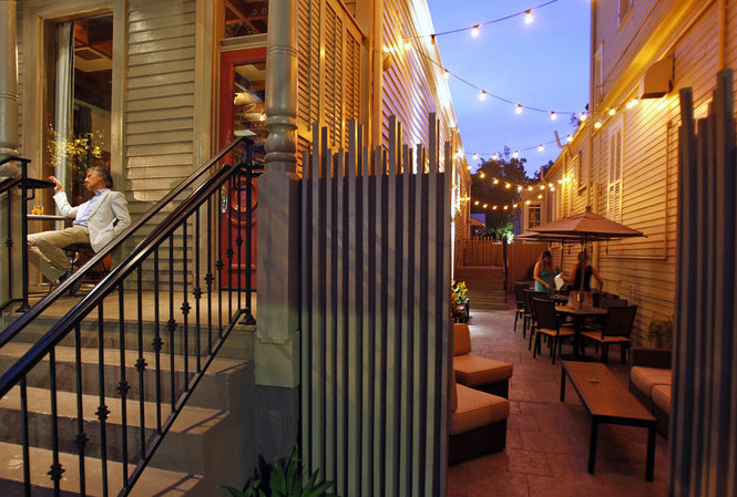 Gonola top 5 al fresco bar food for spring in new orleans for Food bar new orleans