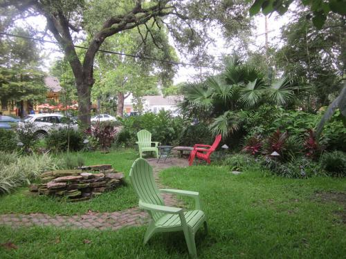 Alcee Fortier Park is a charming neighborhood park located in Faubourg St. John. Photo courtesy Infrogmation via Flickr.