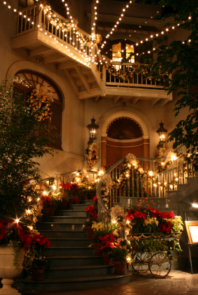 Gonola top 10 follow your joy in new orleans for the for Patios decorated for christmas