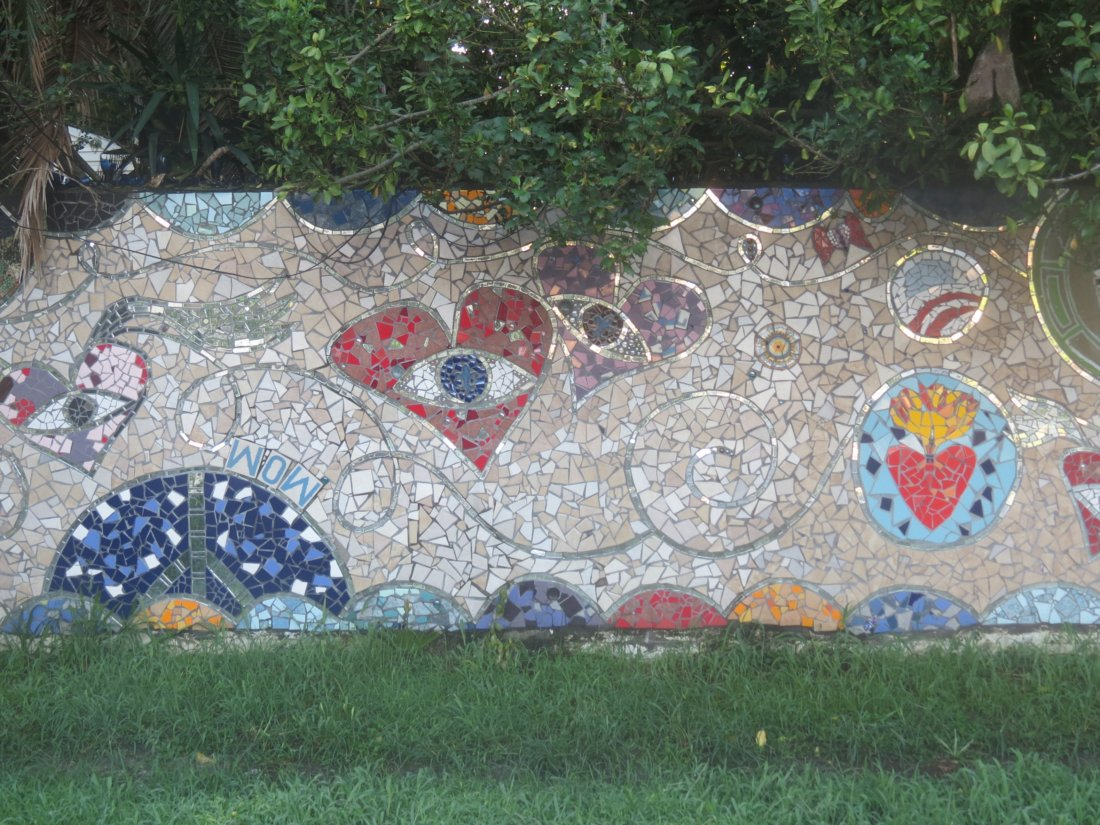 Laurel True's Community Mosaic Project Wow (photo by Emily Ramirez Hernandez)