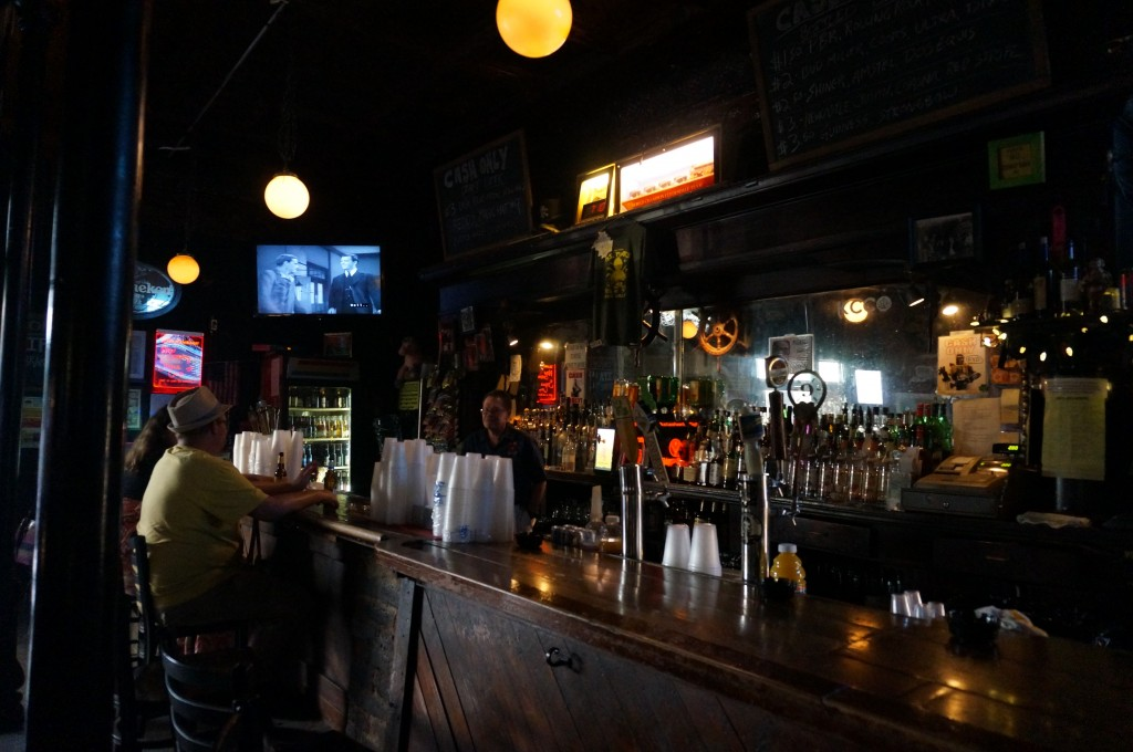 ms maes new orleans dive bar