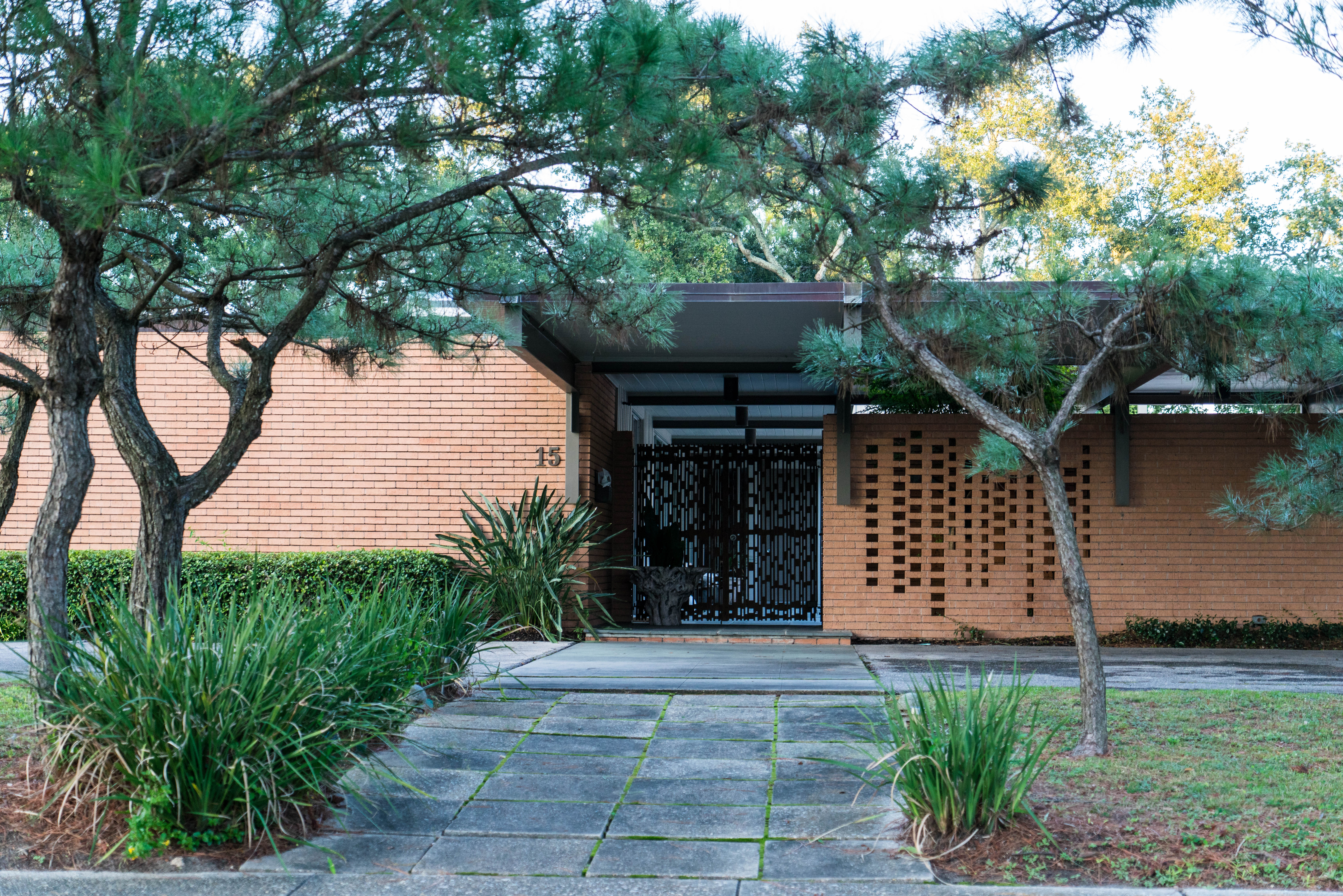 some of the best examples of preserved and renovated mid century modern architecture in new orleans can be found in lake vistas bird and jewel named - Modern New Houses