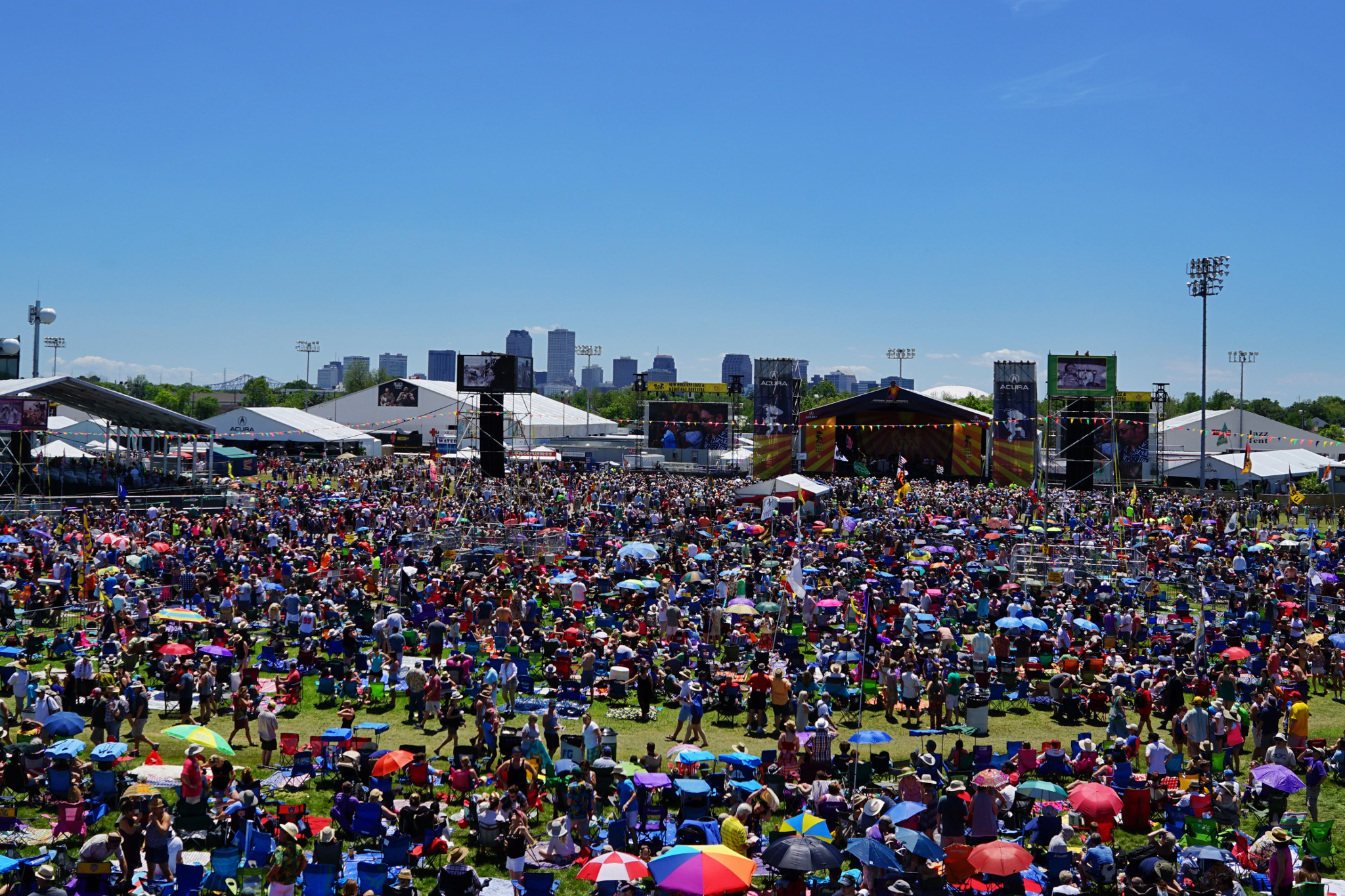 The Acura Stage at Jazz Fest always draws a crowd. (Photo: Paul Broussard)