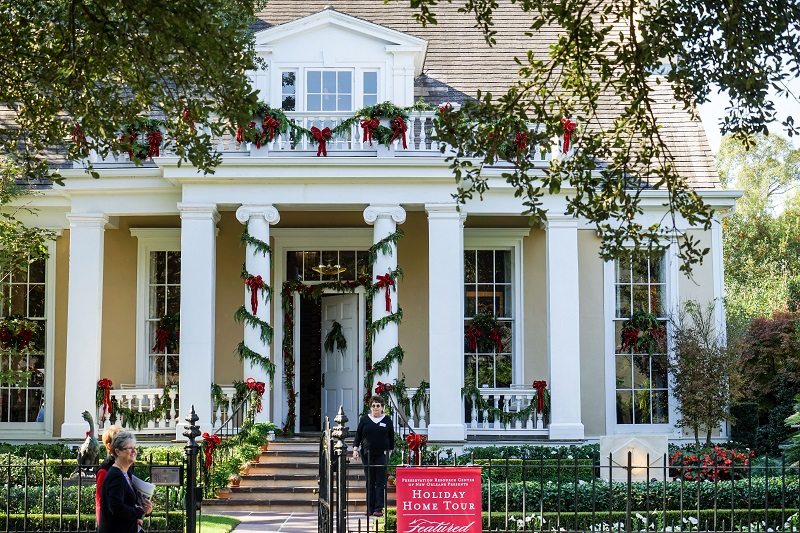 A New Orleans Christmas From A To Z
