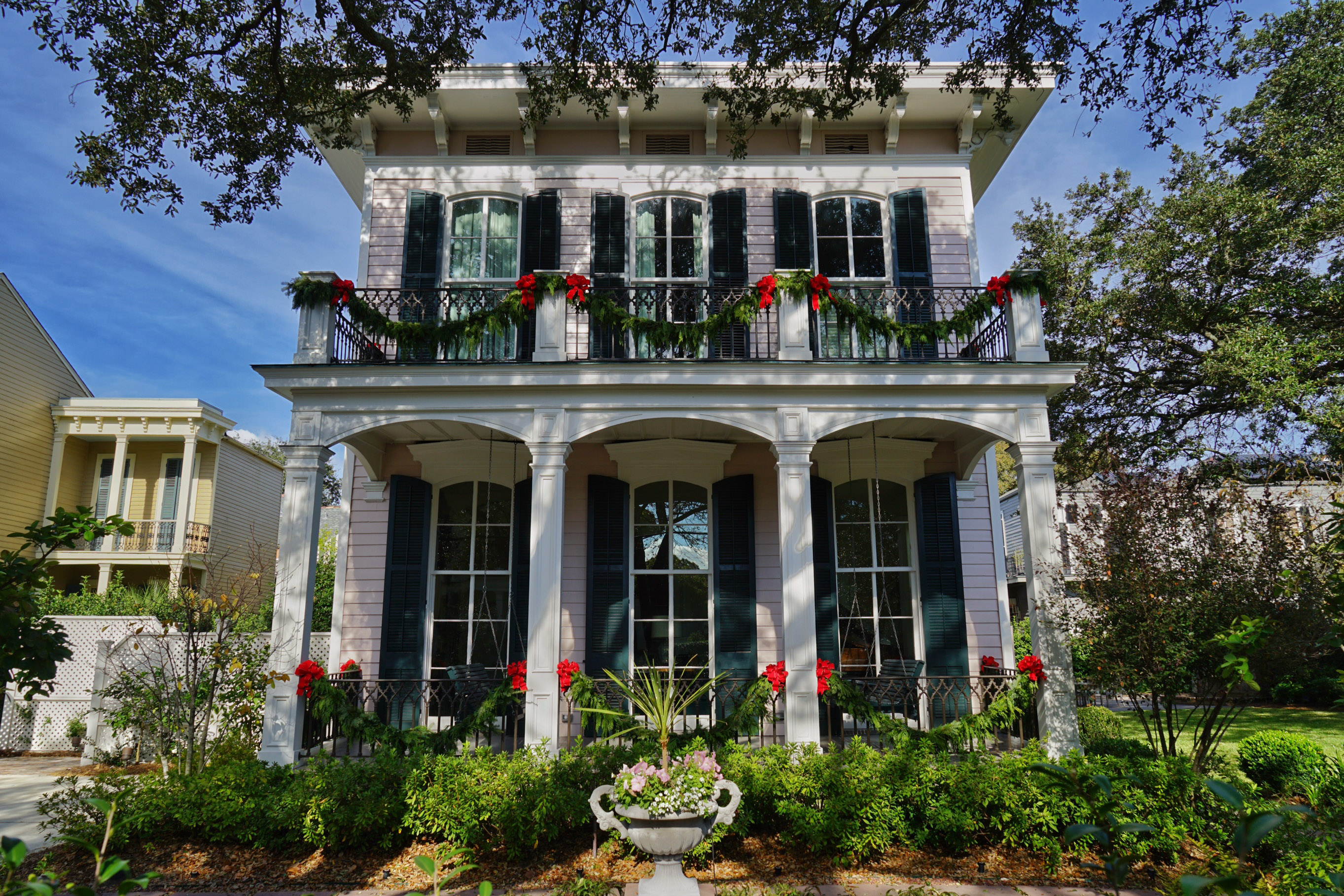GoNOLA Top 5: Christmas Decorations in New Orleans