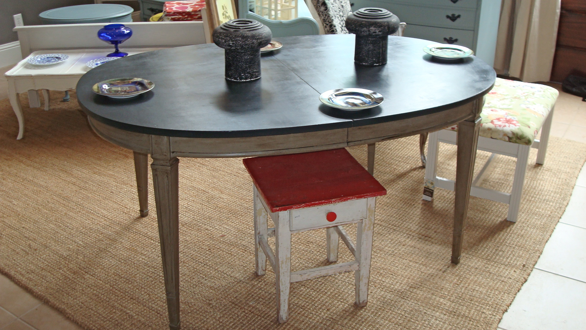 The mother daughter 39 upcycle 39 queens of magazine street for Upcycled dining table