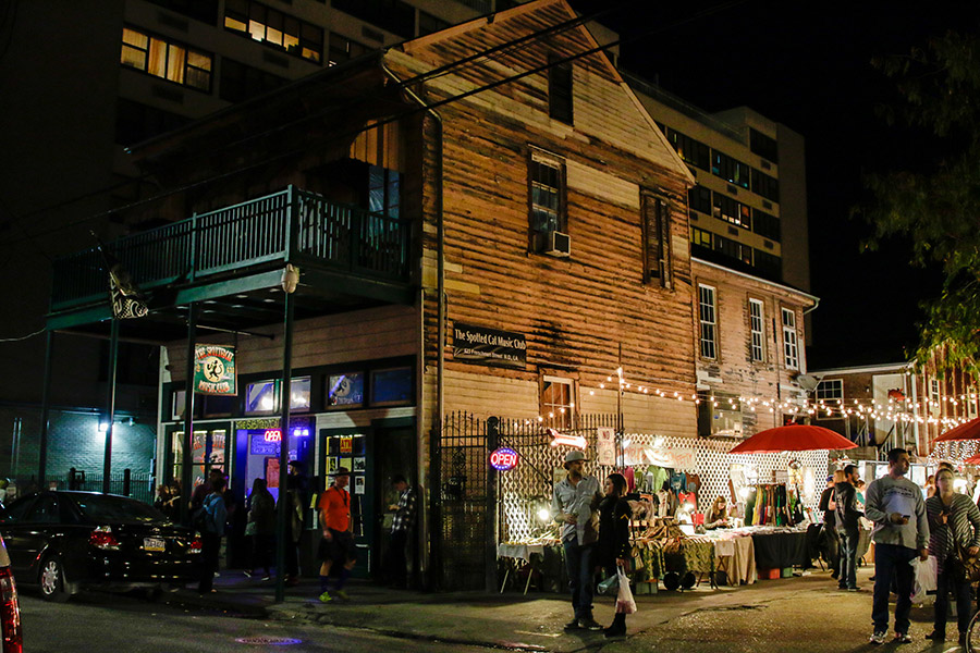 Check out Frenchmen Street for live music (Photo: Rebecca Ratliff)