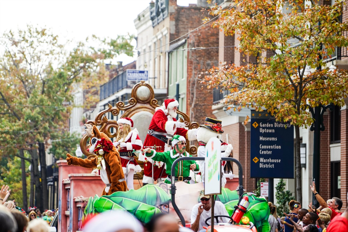 Scenes from the Krewe of Jingle holiday parade. (Photo: Paul Broussard)
