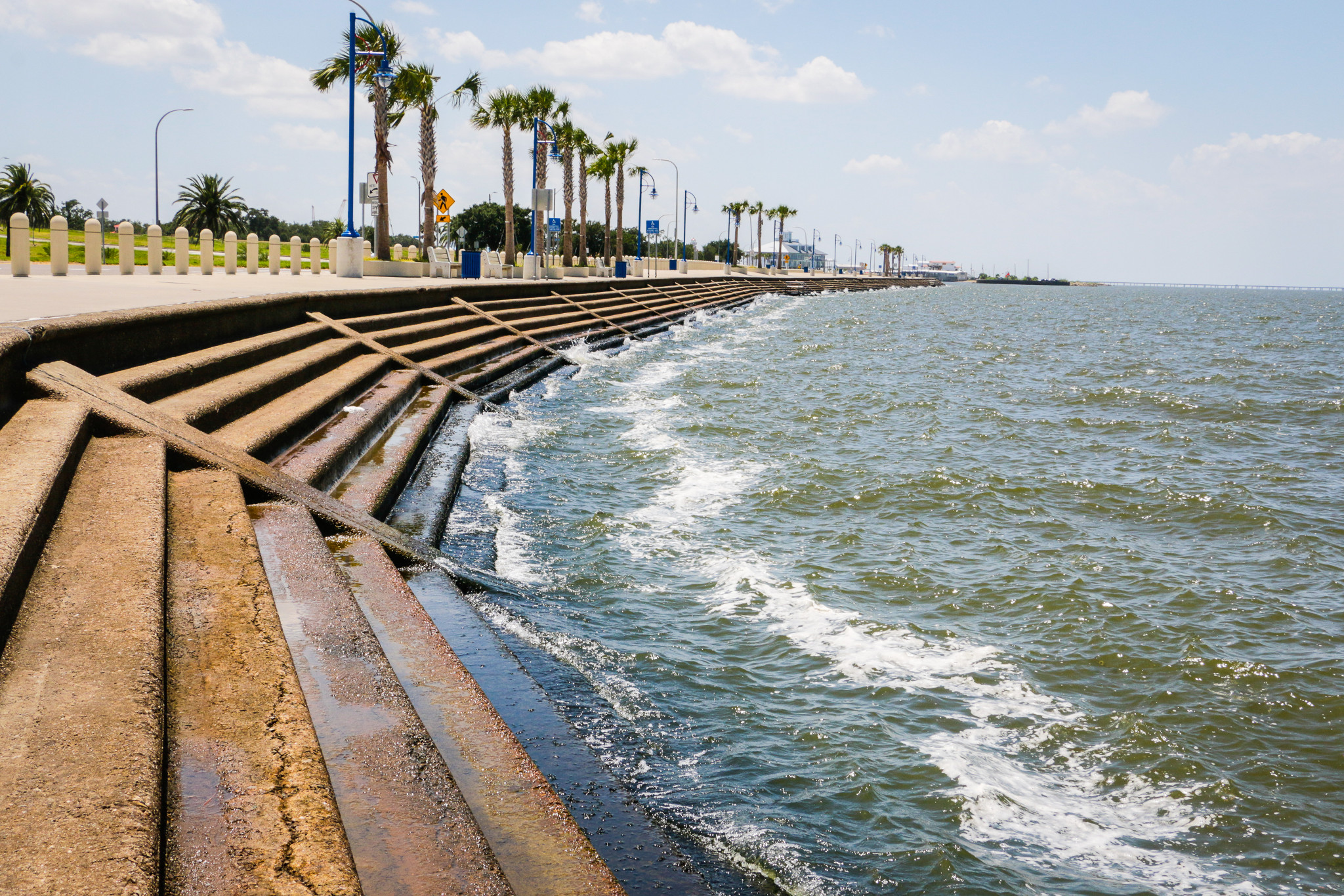 The lakefront along Lakeshore Drive stretches for miles. (Photo: Rebecca Ratliff)