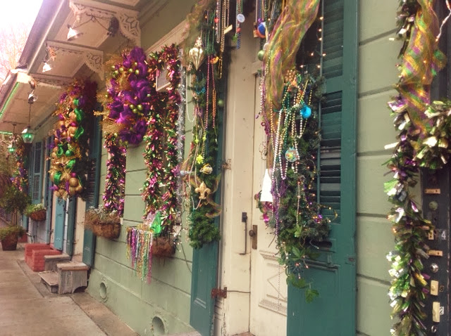 All Dolled Up In Purple, Green And Gold: Mardi Gras Decor In New
