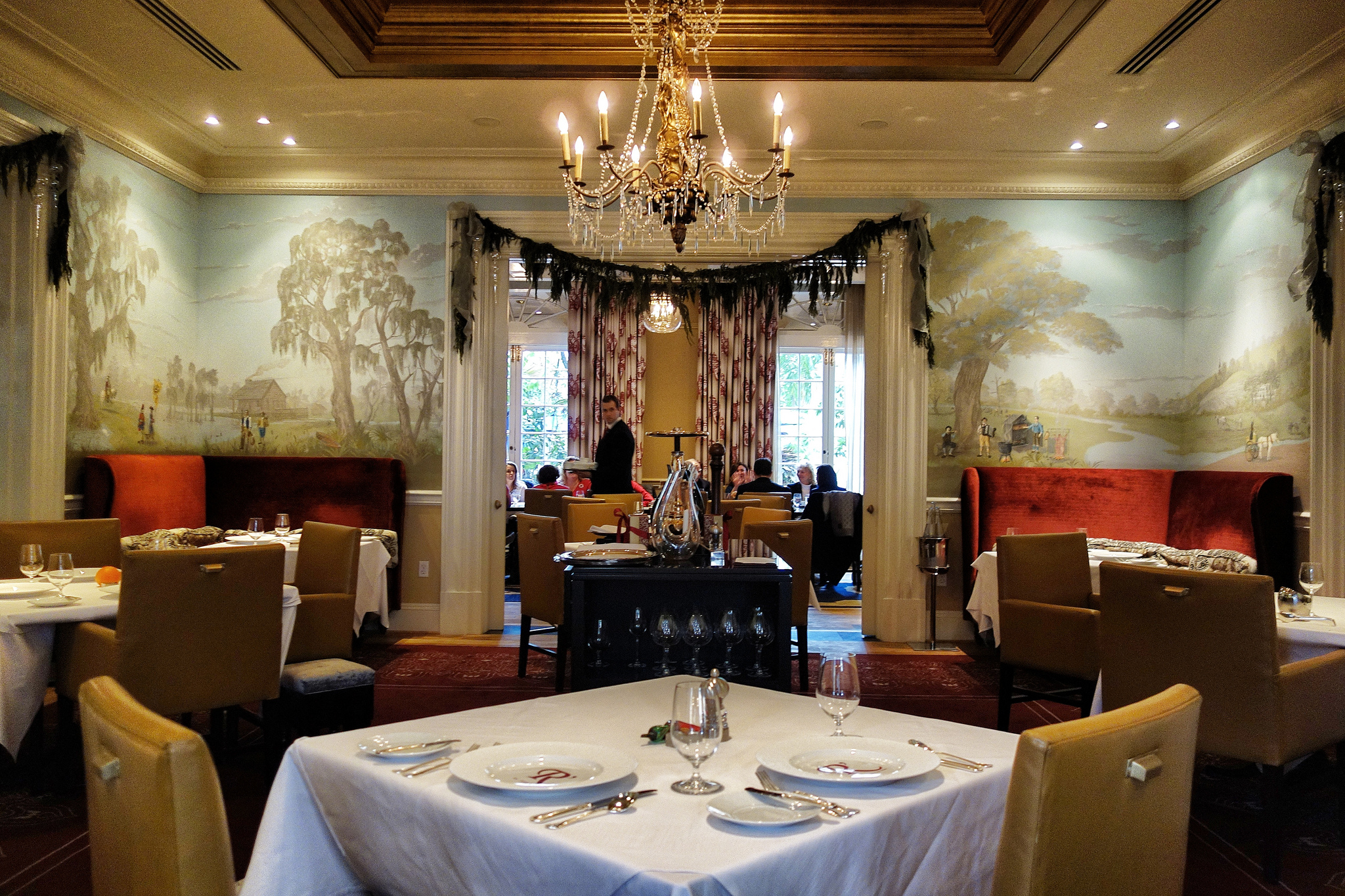 Restaurant R'evolution is always beautifully dressed for the holidays. (Photo: Paul Broussard)