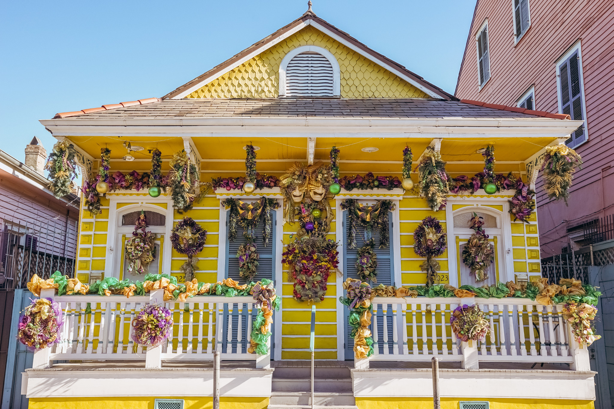 5 New Orleans Houses Dressed up for Mardi Gras