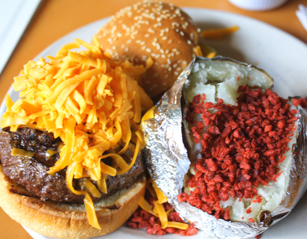 gonola 39 s top 5 restaurants for a great burger in new orleans. Black Bedroom Furniture Sets. Home Design Ideas